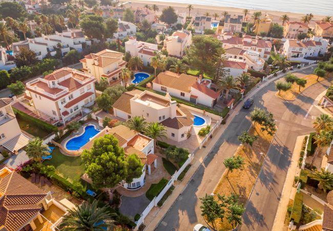 GALLO Gran villa en playa piscina y wifi gratis