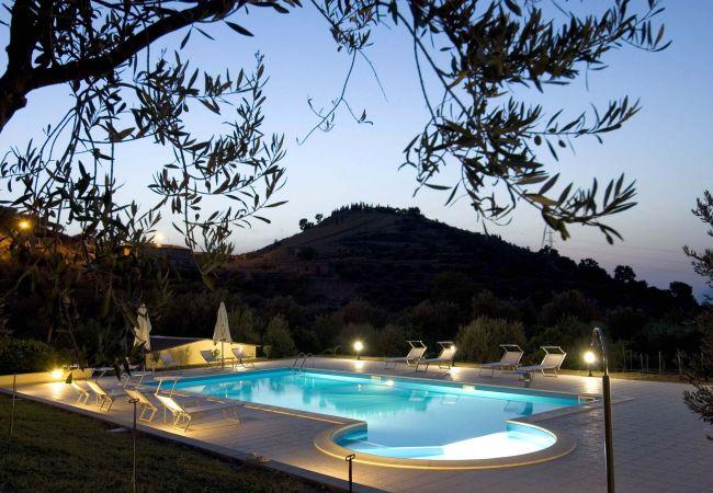 Ferienwohnung La Collina degli Ulivi - Casa Ulivi 2 (2127481), Patti, Messina, Sizilien, Italien, Bild 1
