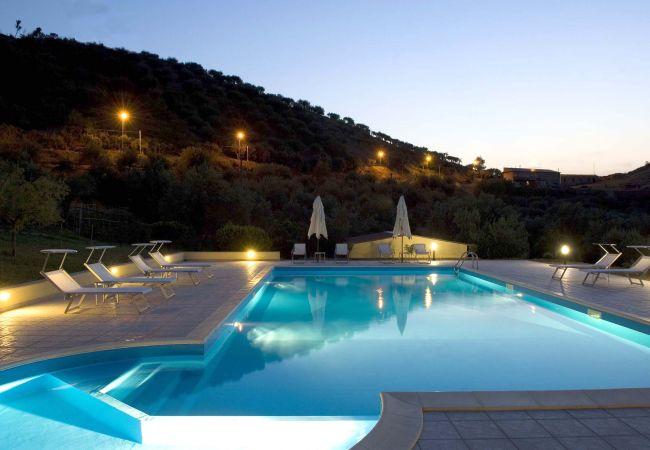 Ferienwohnung La Collina degli Ulivi - Casa Ulivi 2 (2127481), Patti, Messina, Sizilien, Italien, Bild 2