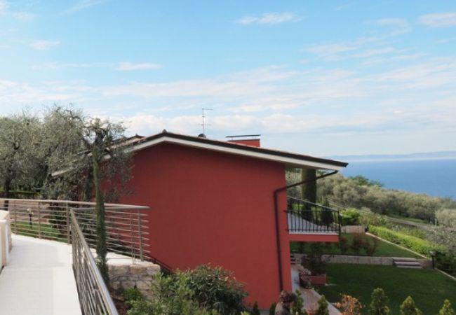 Gianni mit 3 Schlafzimmern, Balkon und Seeblick   Torri del Benaco