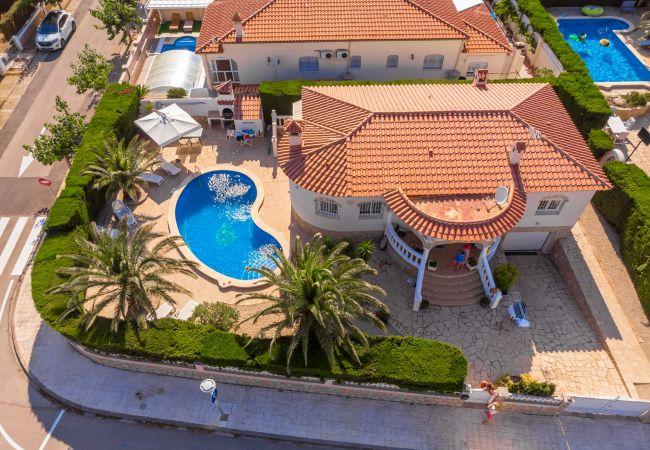 ZAFIRO Villa piscina privada jardín Wifi gratis