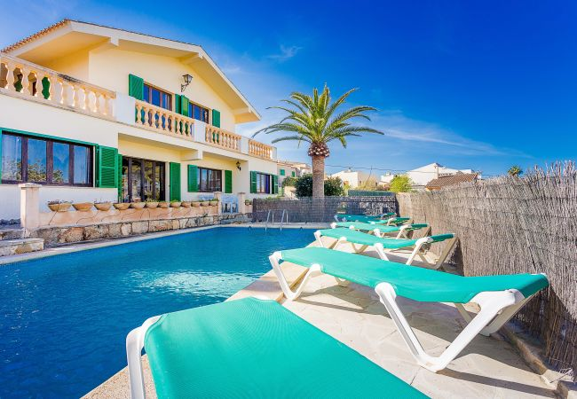 Villa in Portocolom close to the beach x 10 people