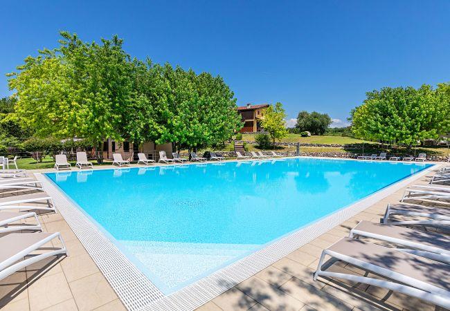 Ferienwohnung Villaggio Paolette 2/1 (2068622), Padenghe sul Garda, Gardasee, Lombardei, Italien, Bild 1