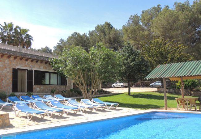 Gran casa rústica cerca Cala Blava con piscina