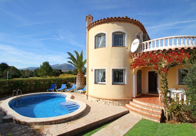 COSTA Villa piscina jardín BBQ Wifi gratis