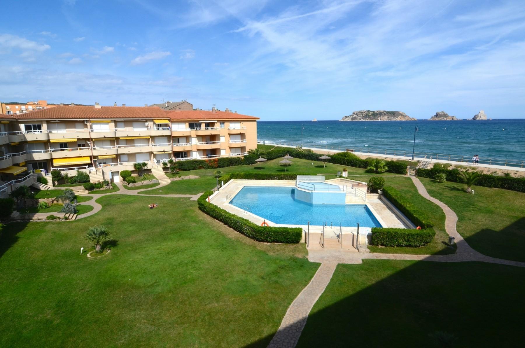 ARGONAVIS 119 for 4 guests in L Estartit, Spanien