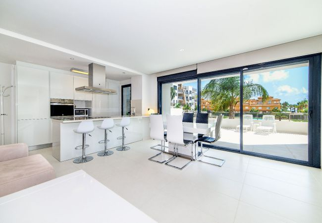 Appartement de vacances Geräumige 3-Zimmer-Wohnung mit Solarium, WIFI, A/C, Pool, Orihuela Costa, Bennecke Angel (1998327), Cabo Roig, Costa Blanca, Valence, Espagne, image 2