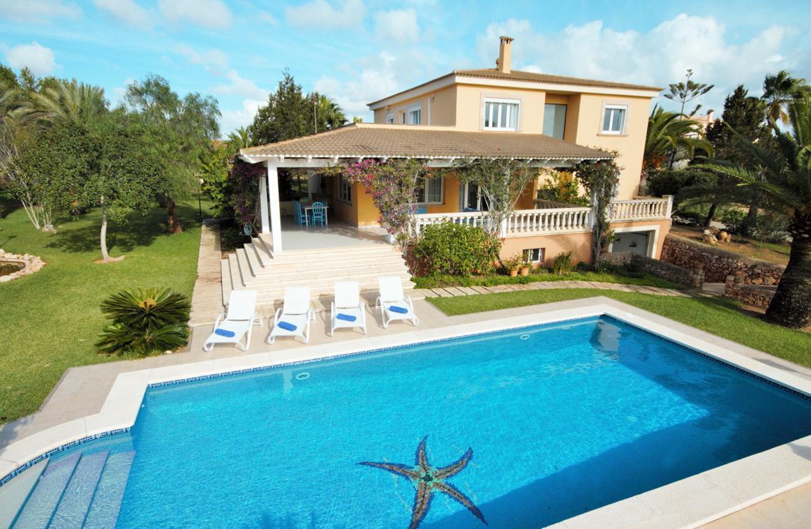 CASA BONITA - 0456 for 10 guests in Ses Salines, Spain