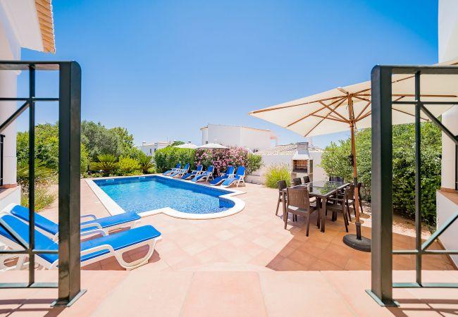 Ferienhaus Villa with free Wi-Fi | A/C | private pool | garden [RLUZ20] (2534662), Luz, , Algarve, Portugal, Bild 13