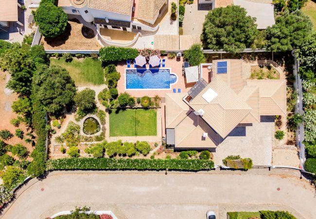 Ferienhaus Villa with free Wi-Fi | A/C | private pool | garden [RLUZ20] (2534662), Luz, , Algarve, Portugal, Bild 2