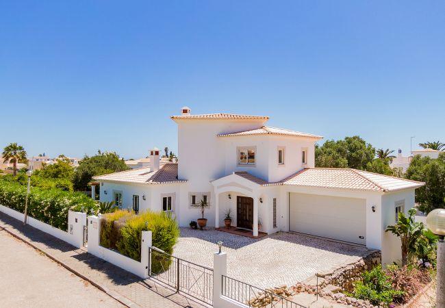 Ferienhaus Villa with free Wi-Fi | A/C | private pool | garden [RLUZ20] (2534662), Luz, , Algarve, Portugal, Bild 27