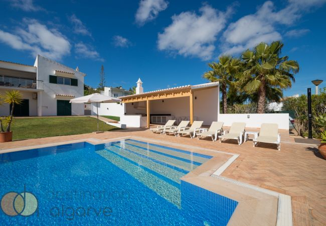 Ferienhaus Villa with free Wi-Fi | A/C | private heated pool | garden | near beach and town | sea vie (2182952), Luz, , Algarve, Portugal, Bild 1