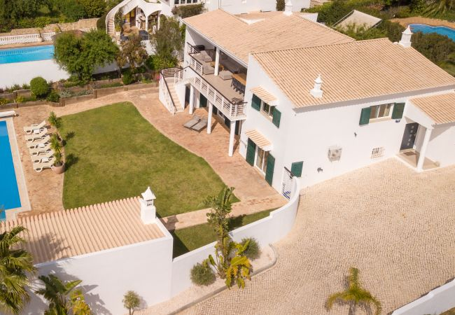 Ferienhaus Villa with free Wi-Fi | A/C | private heated pool | garden | near beach and town | sea vie (2182952), Luz, , Algarve, Portugal, Bild 22