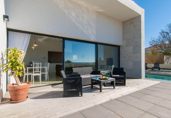 Ferienhaus Villa with free Wi-Fi | A/C | private pool | garden | tennis court | near beach | sea view (2163096), Luz, , Algarve, Portugal, Bild 4