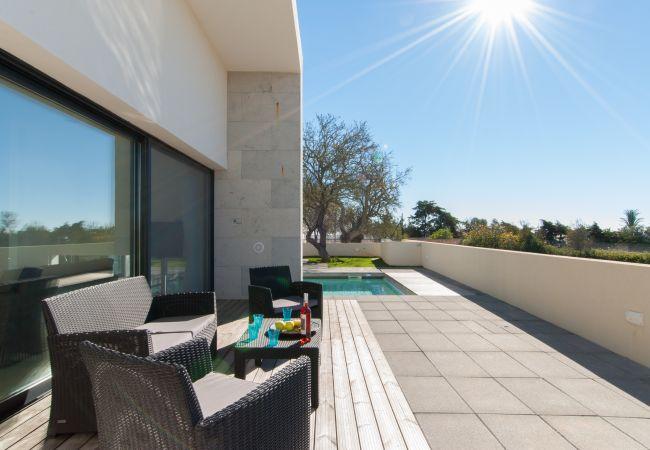 Ferienhaus Villa with free Wi-Fi | A/C | private pool | garden | tennis court | near beach | sea view (2163096), Luz, , Algarve, Portugal, Bild 5