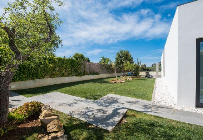 Ferienhaus Villa with free Wi-Fi | A/C | private pool | garden | tennis court | near beach | sea view (2163096), Luz, , Algarve, Portugal, Bild 9