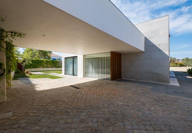 Ferienhaus Villa with free Wi-Fi | A/C | private pool | garden | tennis court | near beach | sea view (2163096), Luz, , Algarve, Portugal, Bild 10