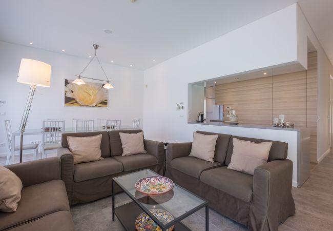 Ferienhaus Villa with free Wi-Fi | A/C | private pool | garden | tennis court | near beach | sea view (2163096), Luz, , Algarve, Portugal, Bild 13