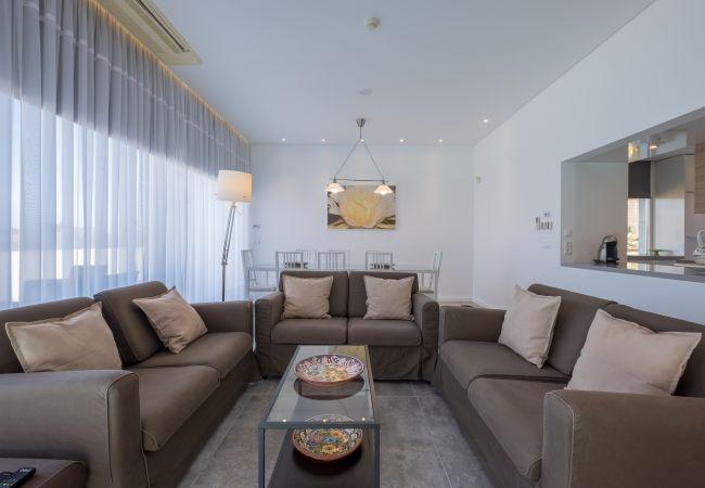 Ferienhaus Villa with free Wi-Fi | A/C | private pool | garden | tennis court | near beach | sea view (2163096), Luz, , Algarve, Portugal, Bild 12