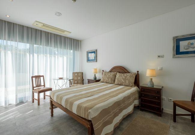 Ferienhaus Villa with free Wi-Fi | A/C | private pool | garden | tennis court | near beach | sea view (2163096), Luz, , Algarve, Portugal, Bild 19
