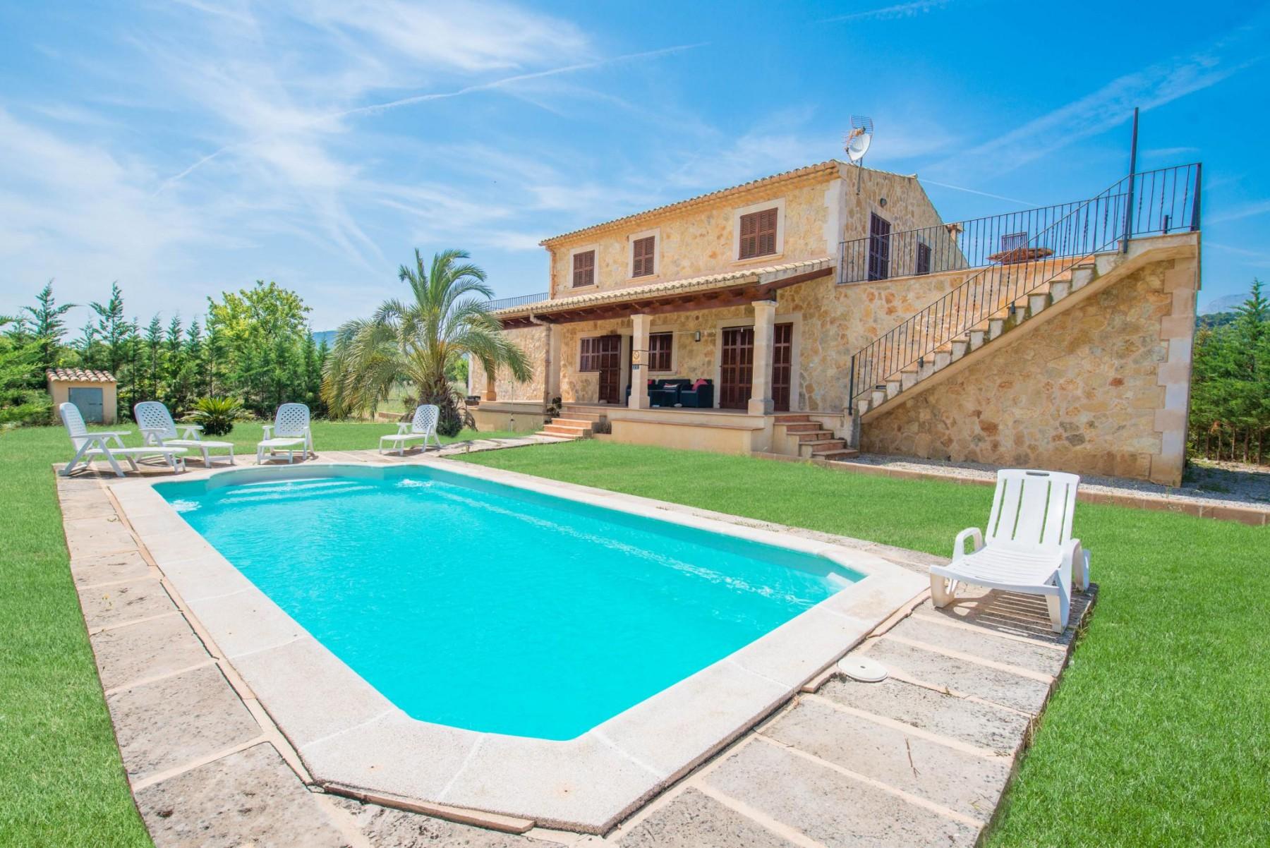 BONA VIDA for 10 guests in Selva, Spanien