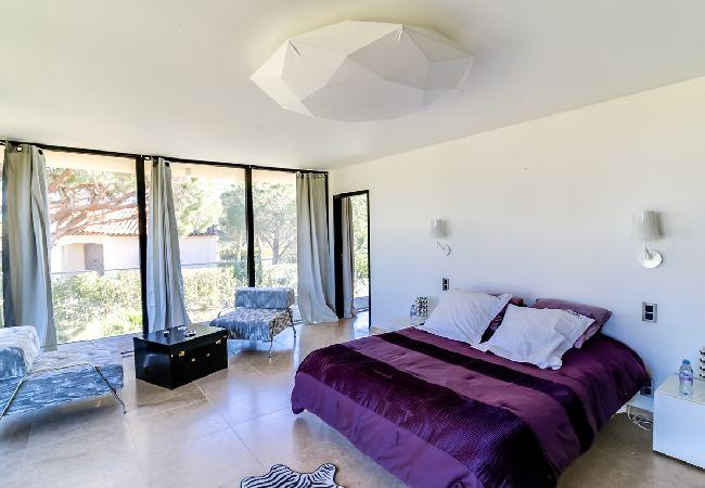 Ferienhaus Villa contemporaine proche plages de Saint-Tropez (2075236), Ramatuelle, Côte d'Azur, Provence - Alpen - Côte d'Azur, Frankreich, Bild 14