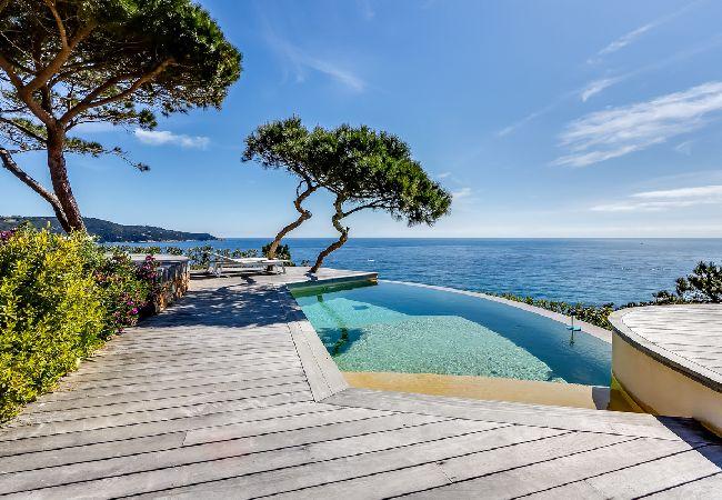 Ferienhaus Villa face à la mer sur la péninsule de Saint-Trop (2194891), Ramatuelle, Côte d'Azur, Provence - Alpen - Côte d'Azur, Frankreich, Bild 2