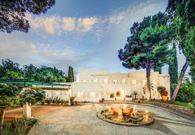 Ferienhaus Upscale villa w/ private pool & amazing location! (2236314), Marbella, Costa del Sol, Andalusien, Spanien, Bild 9