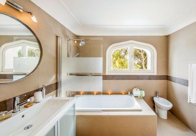 Ferienhaus Upscale villa w/ private pool & amazing location! (2236314), Marbella, Costa del Sol, Andalusien, Spanien, Bild 16