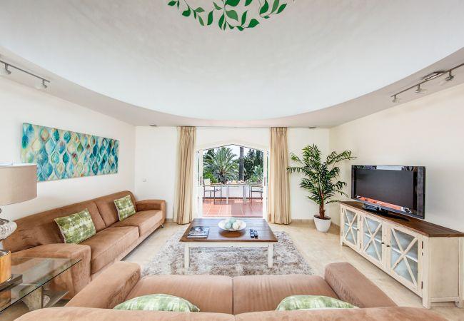 Ferienhaus Upscale villa w/ private pool & amazing location! (2236314), Marbella, Costa del Sol, Andalusien, Spanien, Bild 11