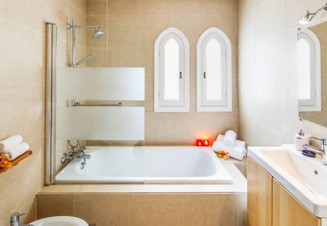 Ferienhaus Upscale villa w/ private pool & amazing location! (2236314), Marbella, Costa del Sol, Andalusien, Spanien, Bild 22