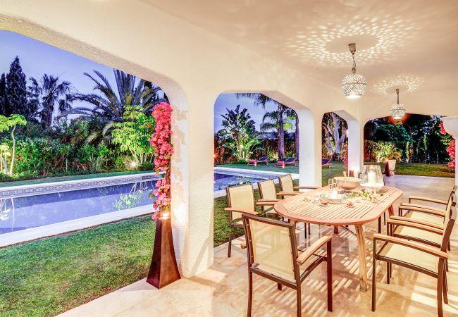 Ferienhaus Upscale villa w/ private pool & amazing location! (2236314), Marbella, Costa del Sol, Andalusien, Spanien, Bild 3
