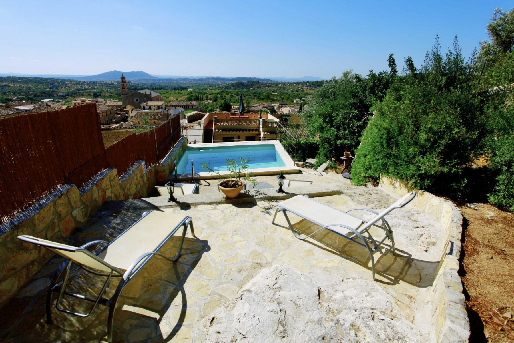 SENTIMENTS for 5 guests in Selva, Spanien