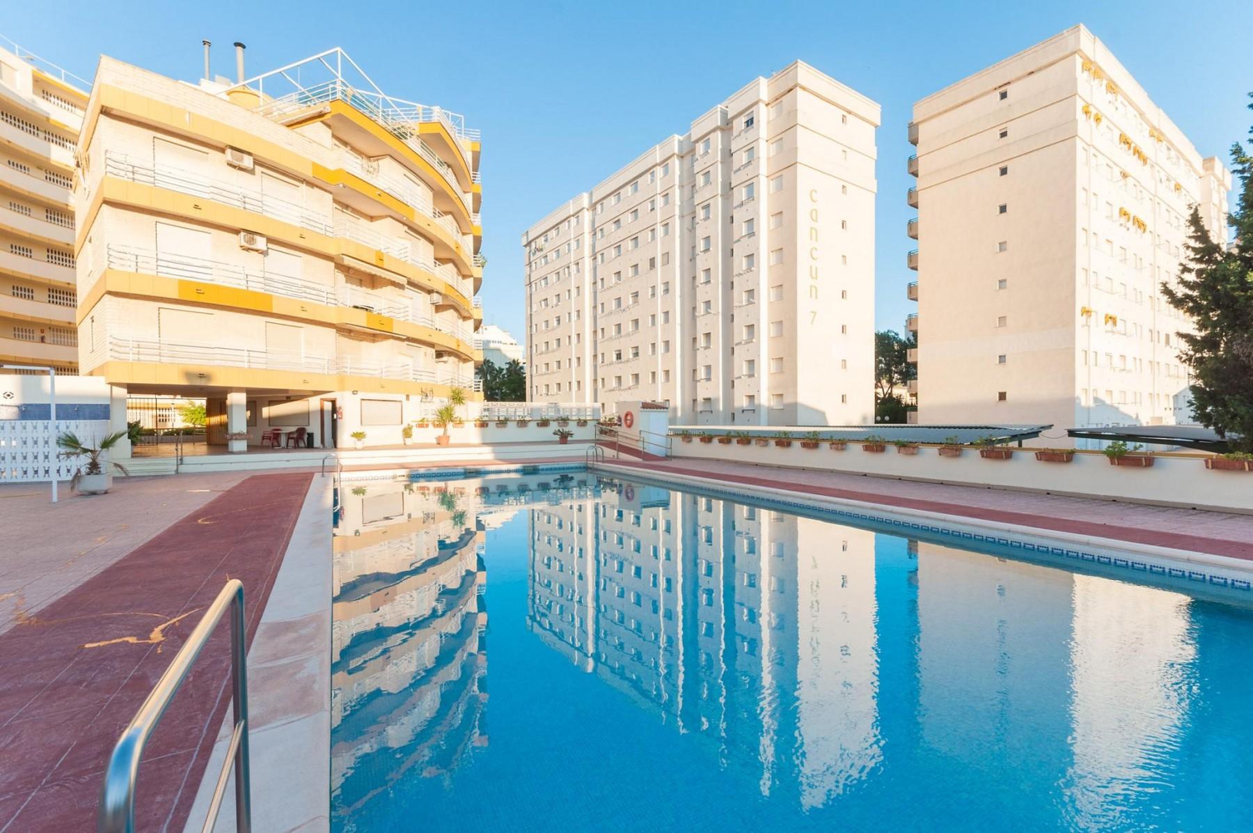 DEVA - 1231 for 6 guests in Gandia, Spanien