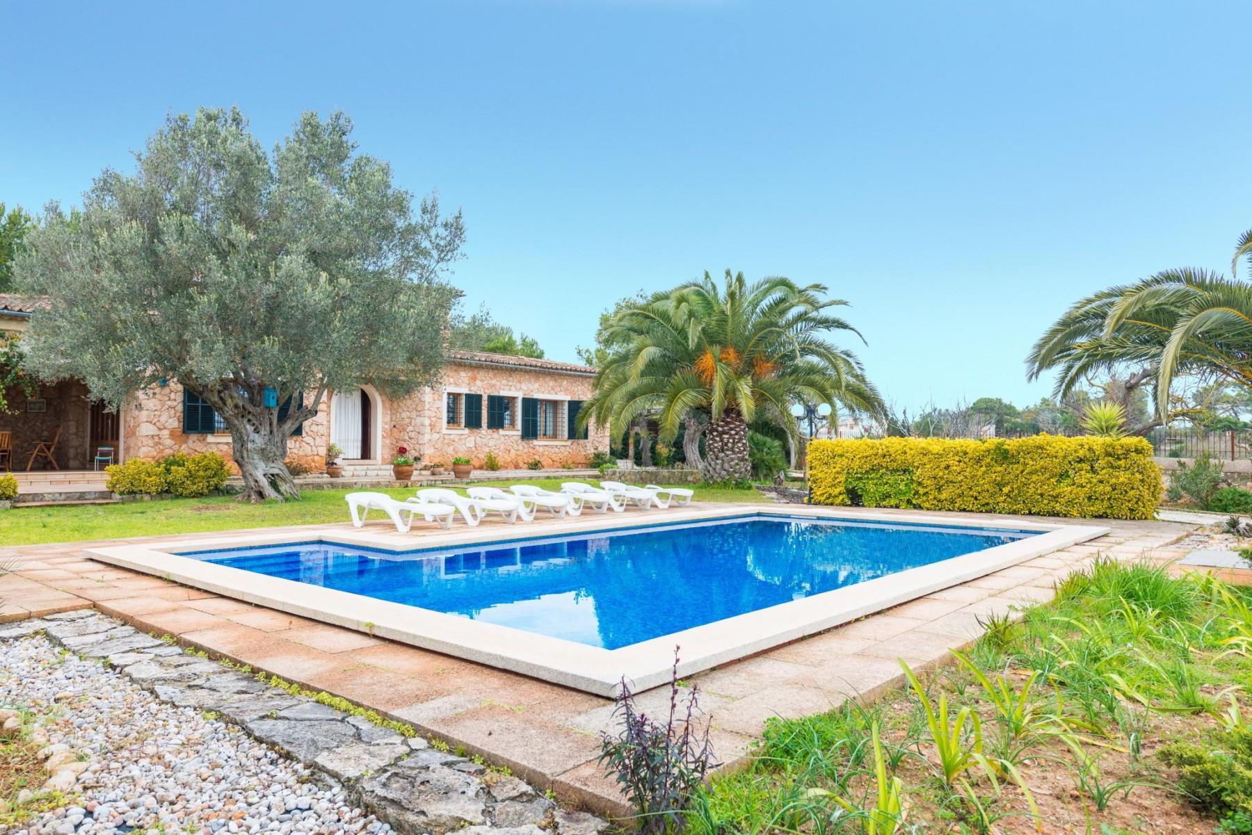 ES MOLI DE SALQUERIA for 6 guests in Santa Eugènia, Spanien