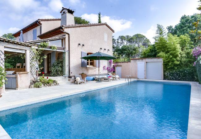 Ferienhaus Ravissante villa provençale avec piscine à Saint-R (2195157), Saint Raphaël, Côte d'Azur, Provence - Alpen - Côte d'Azur, Frankreich, Bild 1