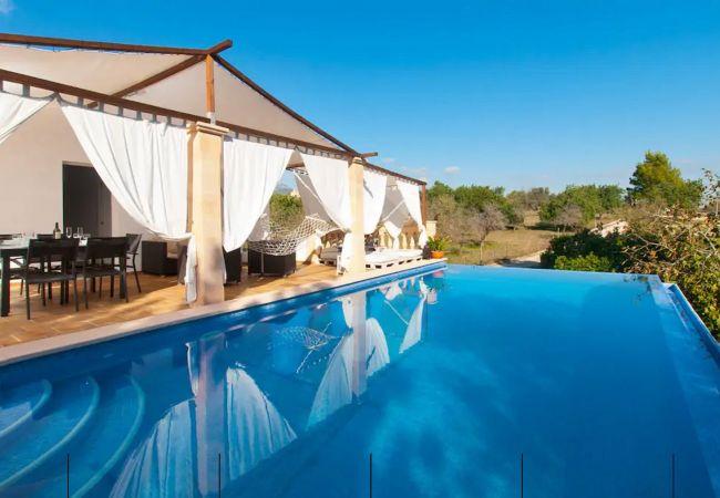 Finca con piscina en Biniamar