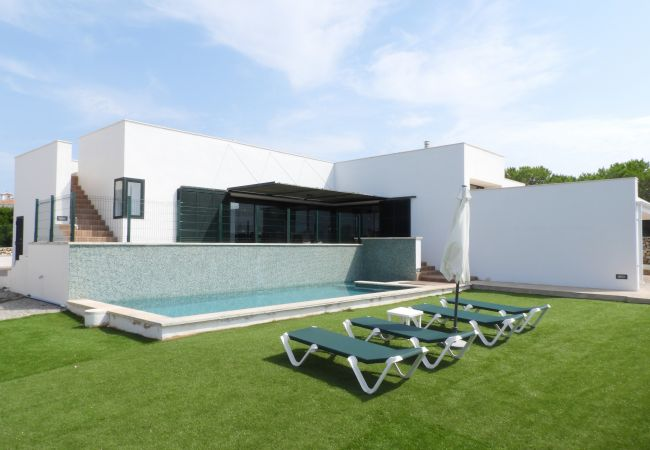 Ferienhaus Villa MARI CARMEN (2470544), Punta Prima, Menorca, Balearische Inseln, Spanien, Bild 1