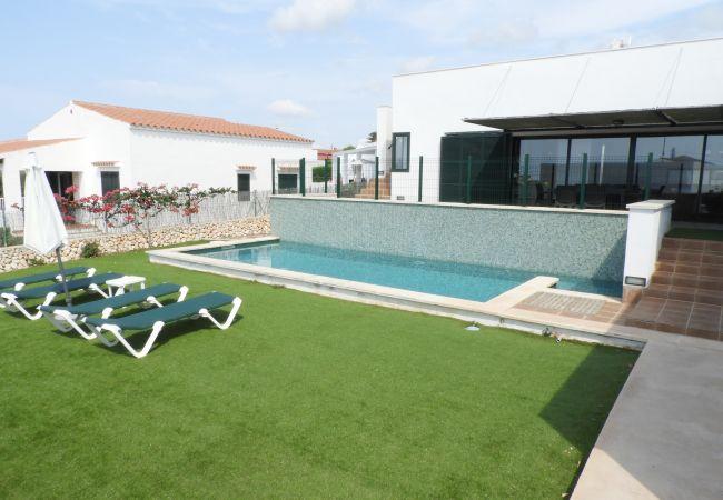 Ferienhaus Villa MARI CARMEN (2470544), Punta Prima, Menorca, Balearische Inseln, Spanien, Bild 2