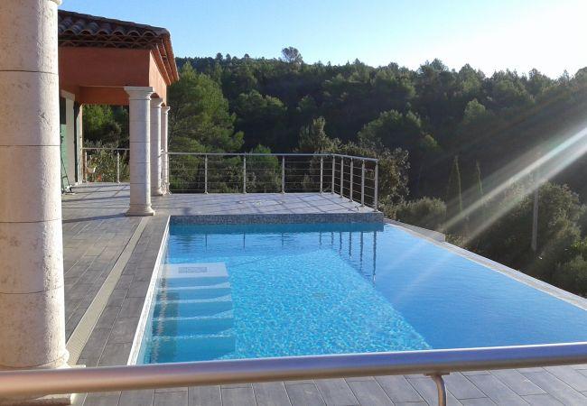 photo ST ANASTASIE Villa Piscine Cadre Idyllique