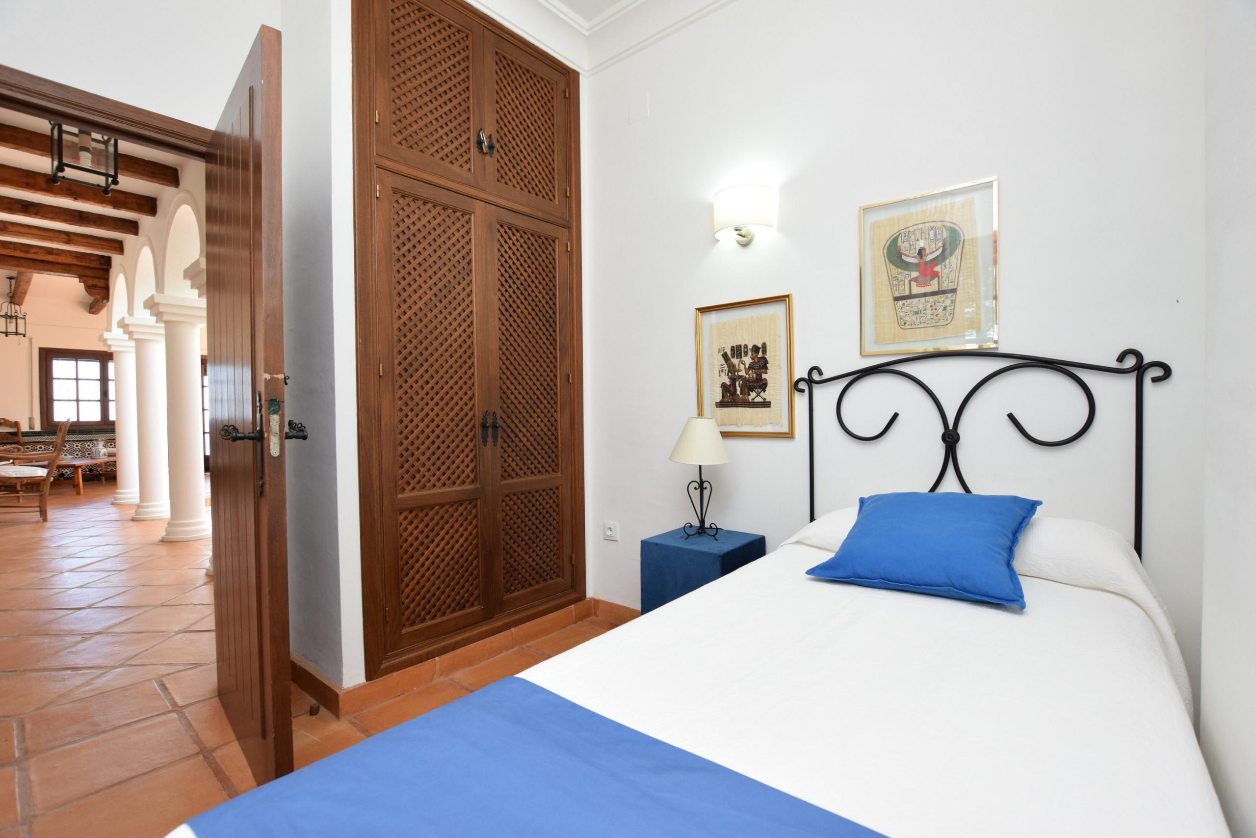 Al Amireh - Dormitorio 1 planta principal(2)