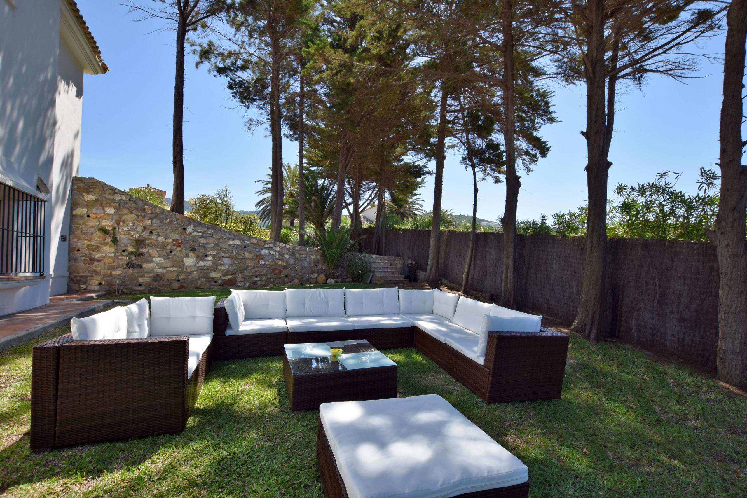 Al Amireh - Zona de Piscina y Jardín (6)