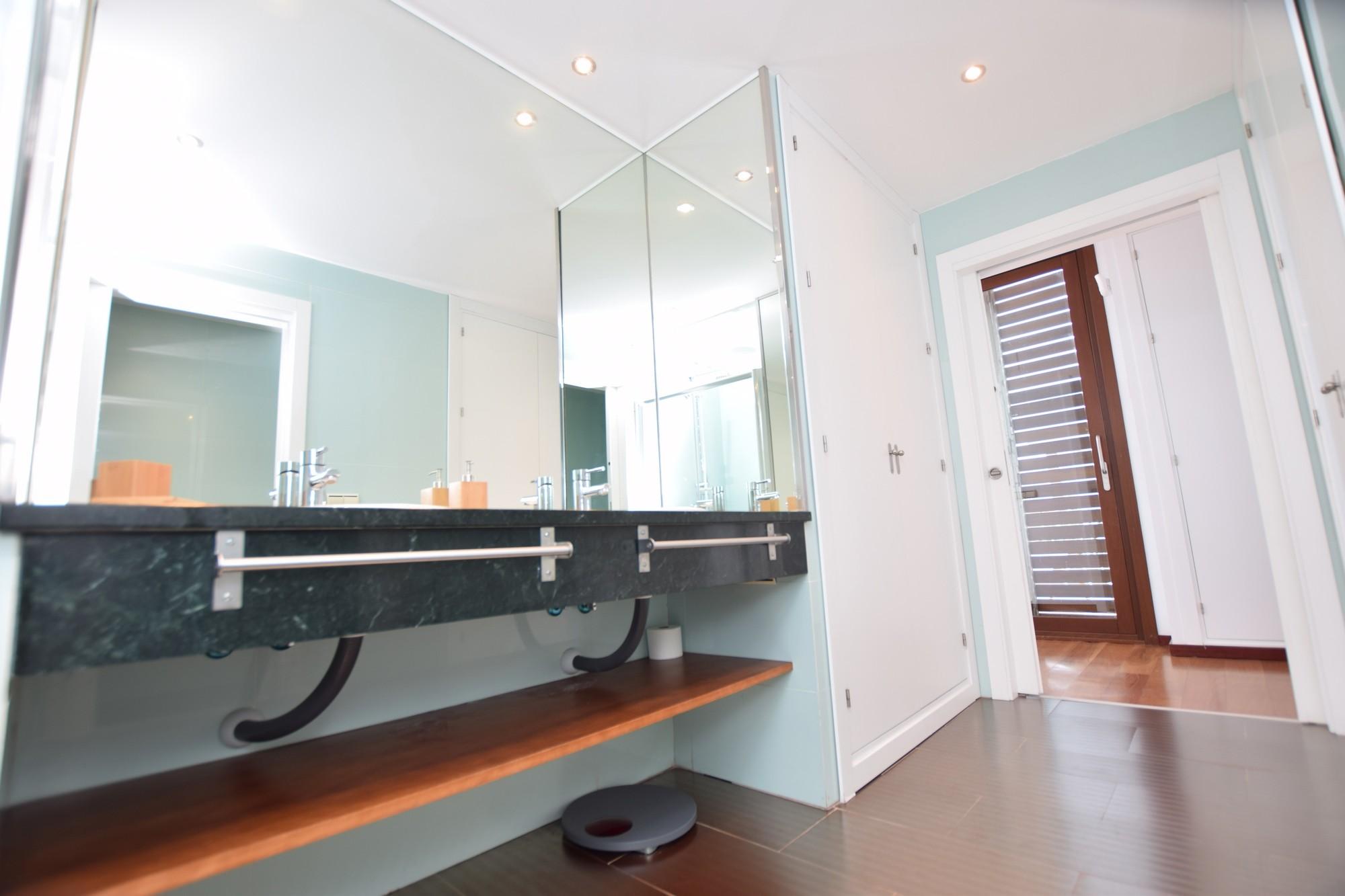 Atlántico IV - Baño en Suite - Dormitorio 1