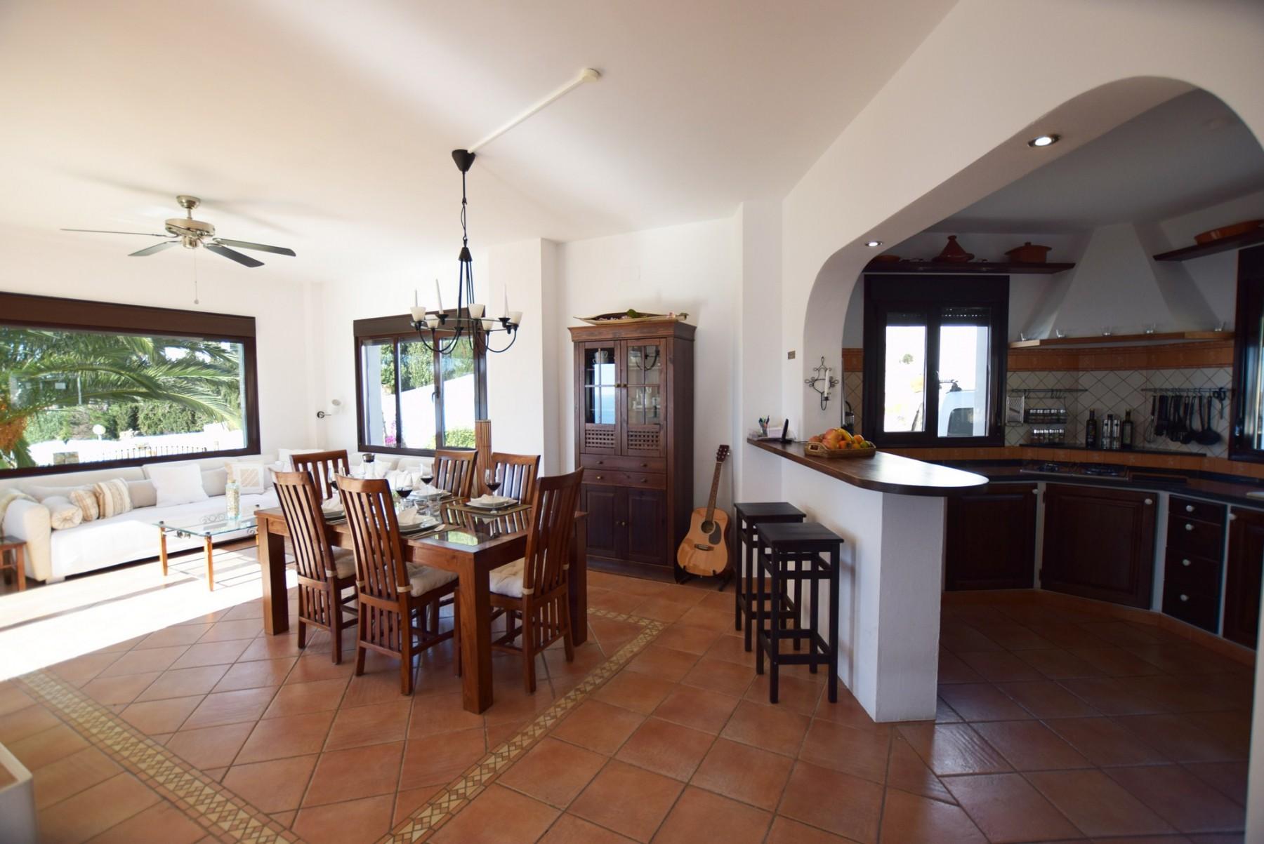 Casa Blanca - Cocina y sala de estar