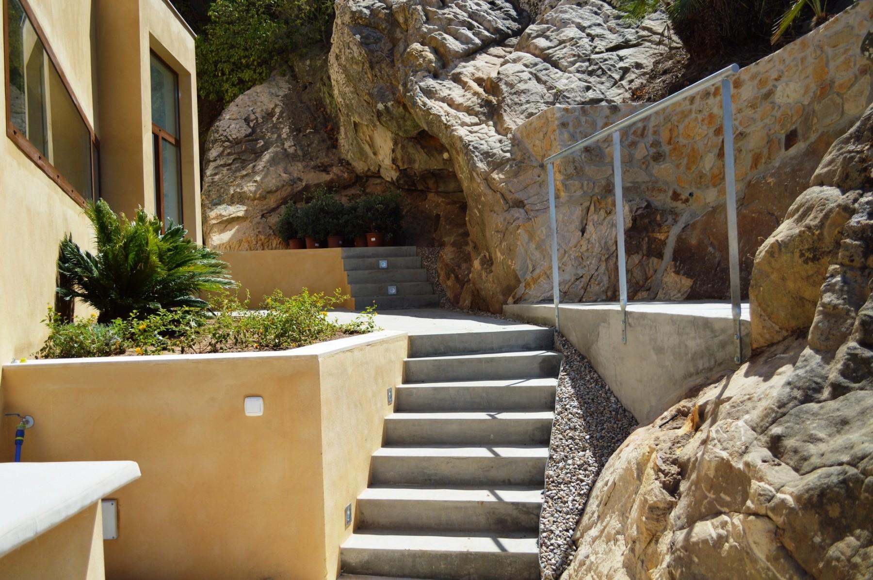 Hasta aquí hemos llegao - Escaleras exteriores jardín