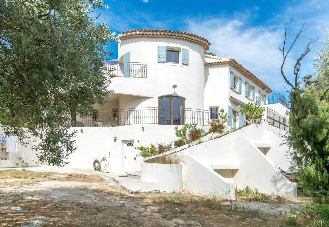 photo CIVADE VERDE Casa en las colinas, 6 personas, sala de deporte, vista al mar, barbacoa