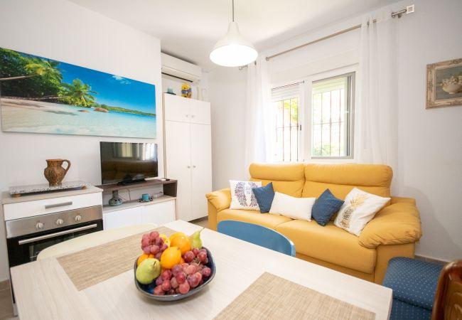 Ferienwohnung Cubo's Apartamento Versalles BD Fuengirola (2334740), Fuengirola, Costa del Sol, Andalusien, Spanien, Bild 2