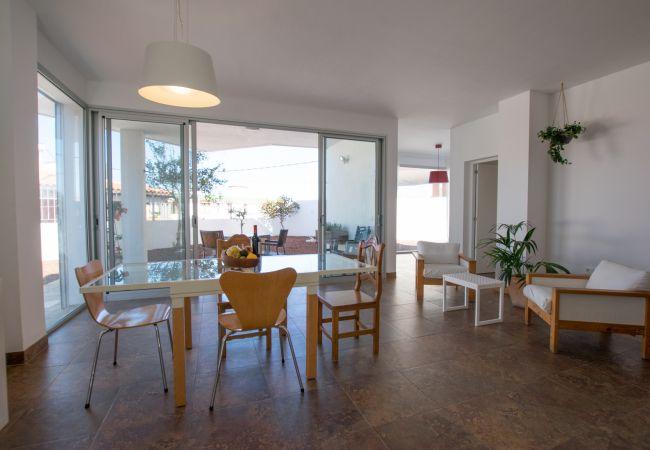 Bajamar, Peaceful Modern Beach House