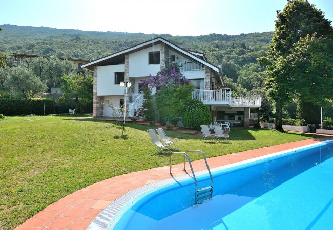 Villa Gina With Pool   Gardasee - Lago di Garda