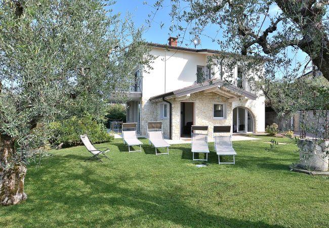 Villa Lisi With Pool   Gardasee - Lago di Garda